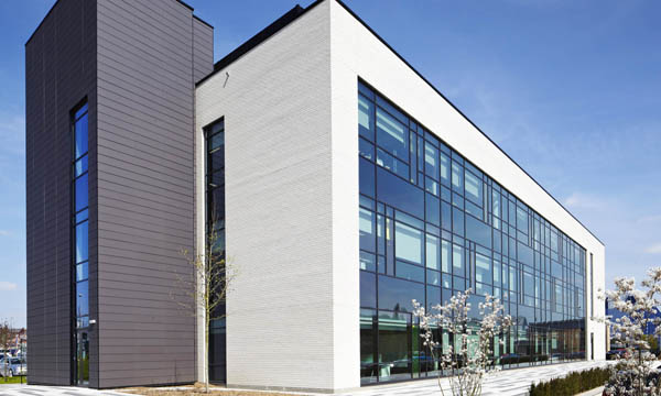 Staggered Mullions Create Intricate Glazing Solution For