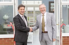 PR058 - SEH BAC managing director John Savage (left) with Don Waterworth...