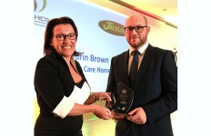 PR457 - Jackloc founder Emma Wells presents NASHiCS Best Pratice Award to Aneurin Brown of Hallmark Care Homes