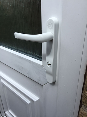 MILA340 The SheffLOCK team routinely fit the Mila 2 staf ProSecure security handle 3