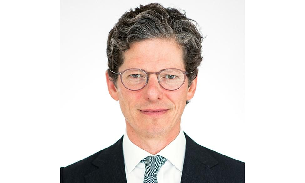Renowned Bloomberg Host Speaks At Glazing Summit