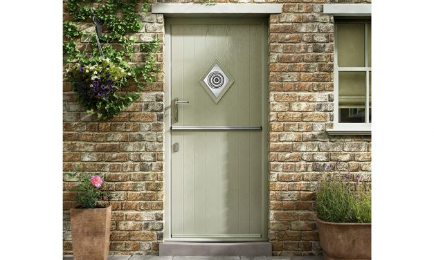 Yale Launches Lockmaster 21 Stable Door Lock